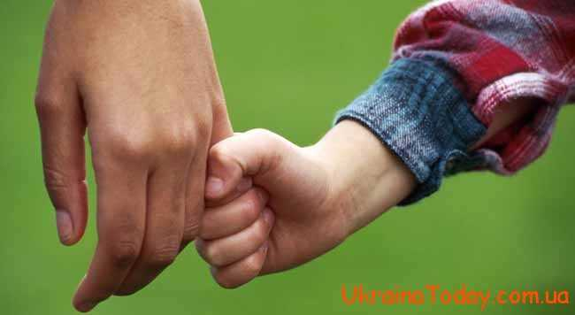 Батько є не менш важливо людиною для кожної дитини
