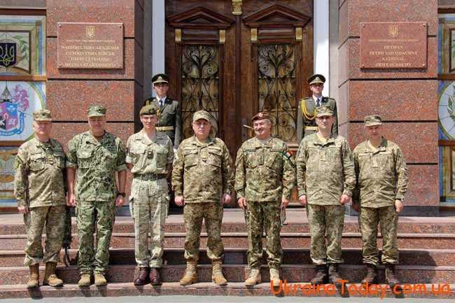 Представники сухопутних військ