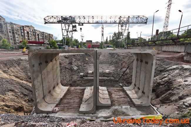 """виконання лінії з Троещини і аж до станції """"Вокзальна"""""""