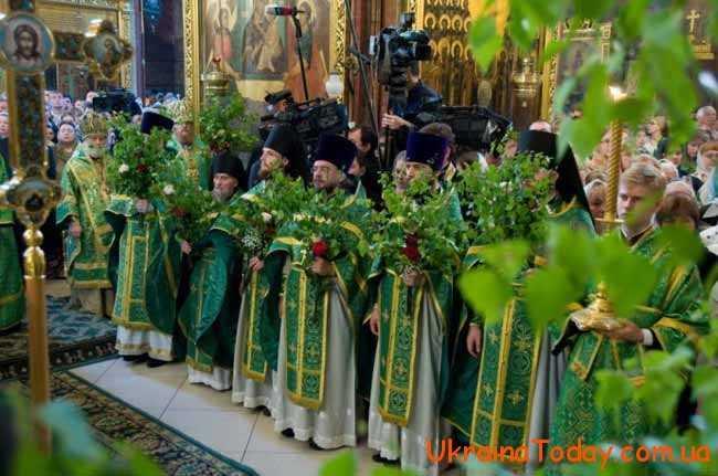 У православних церквах на Зелені свята проводять богослужіння