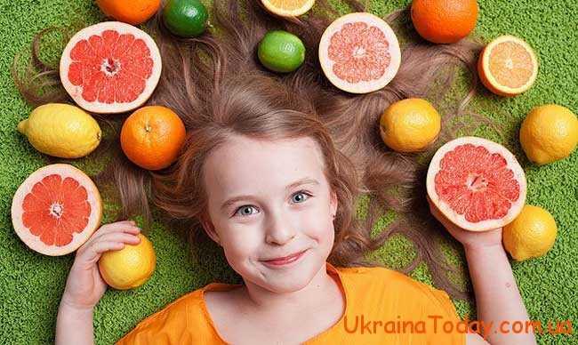 лікарі радять в цей час їсти побільше фруктів та навіть приймати вітаміни