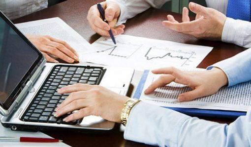 Економічні експерти та аналітики ринку