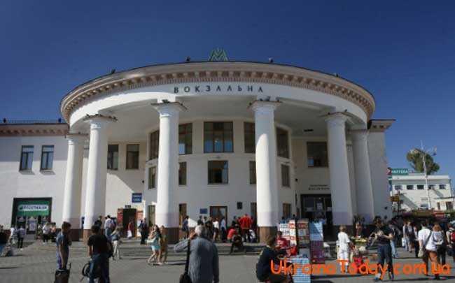 В столицю України їдуть у пошуках кращого життя