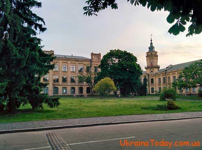 Київ, як відомо, головне місто та серце всієї України