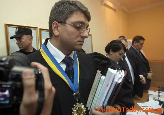 Заробітні плати у представників апеляційного суду